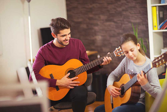 Kids guitar lessons in Southampton